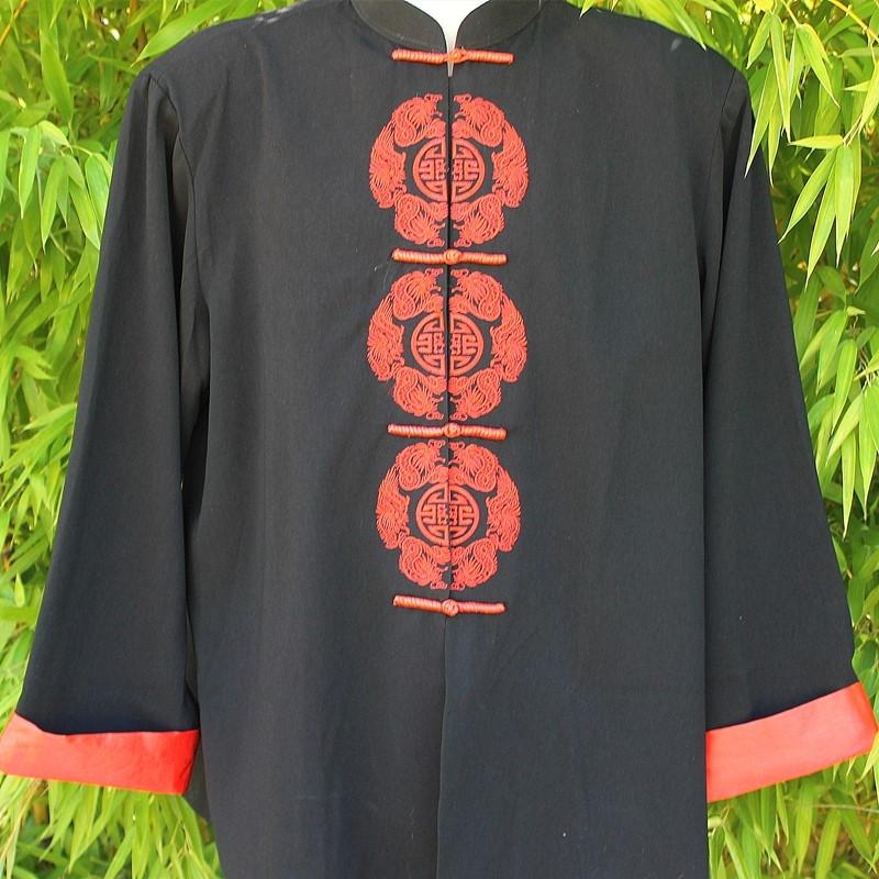 Veste avec broderie calligraphie rouge