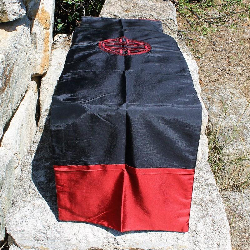 Chemin de table Caligraphie rouge et noir