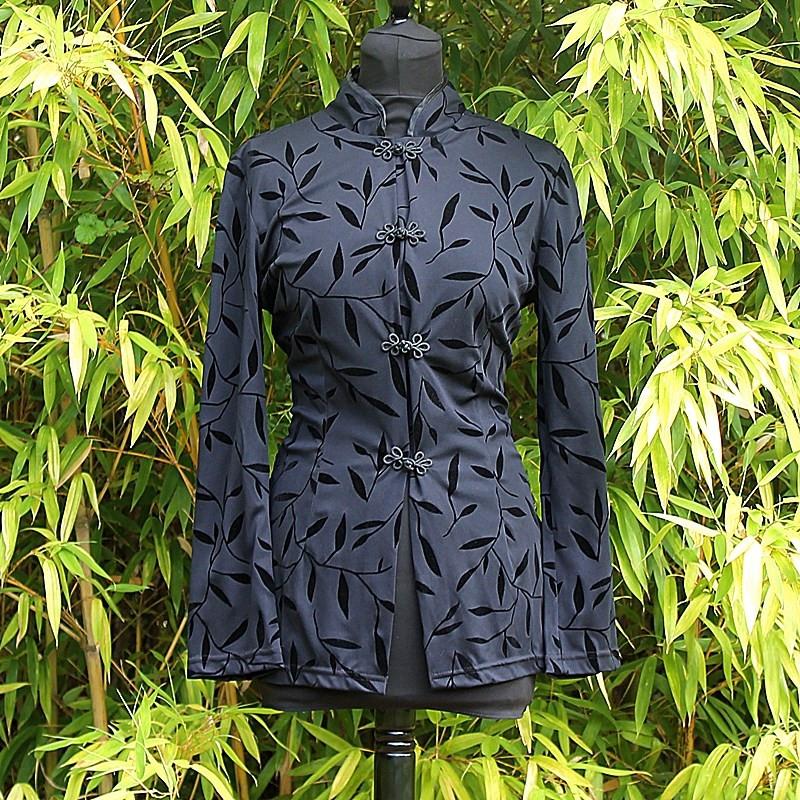 Chemise noire motifs feuilles