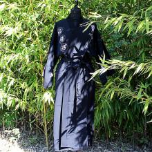 Kimono noir fleur calligraphie