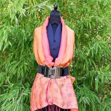 Foulard orange reflet rouge motif bambou