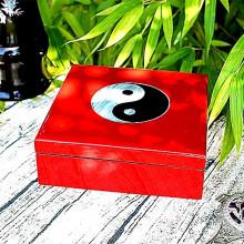 Boite à bijoux rouge motif Yin et Yang