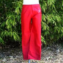Pantalon satiné coloris rouge