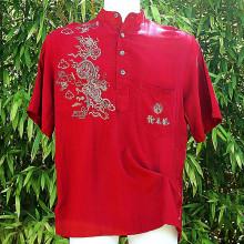 Tee-shirt boutonné rouge avec dragons