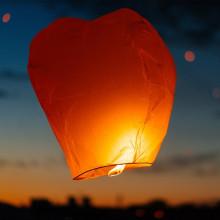 Lanterne thai (lanterne volante) unité