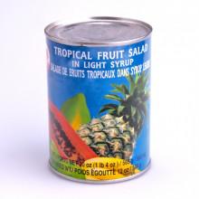 Salade de fruits tropicaux dans sirop...
