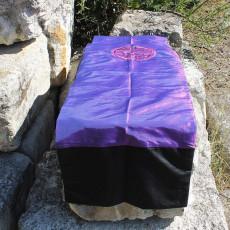 Chemin de table Caligraphie violet reflet rose