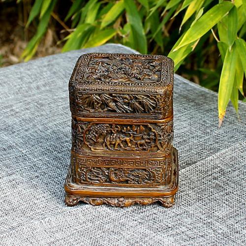 Boîte à 3 niveaux en relief en pierre reconstitué