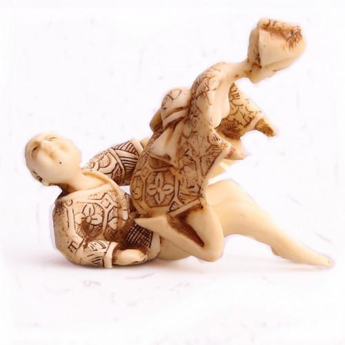 """Figurine kamasutra en ivoirine """"La balançoire"""""""