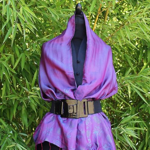 Foulard violet reflet bleu motif bambou