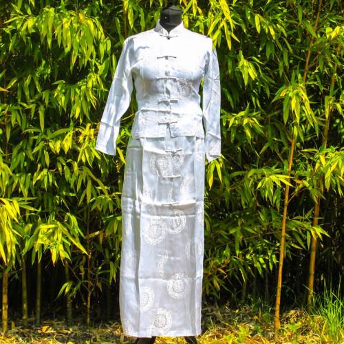 Ensemble tunique chemisier et jupe blanche