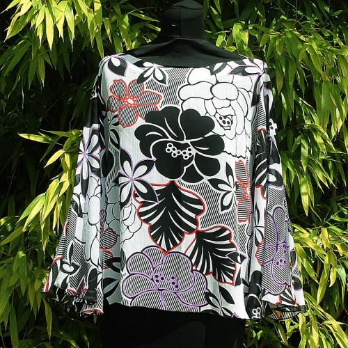 Tunique large motifs fleurs style hawaii